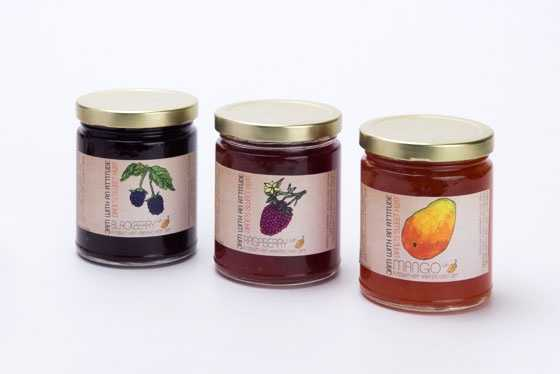 Unlike jelly, jams maintain some of the vitamins and minerals of the fruit from which it's made.