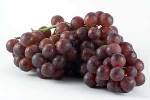 Grapes have a natural diuretic and laxative effect, which helps to reduce water and waste weight.