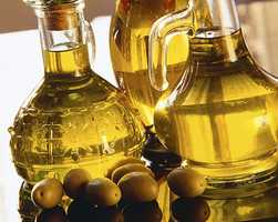 A diet rich in olive oil has been proven to aid in weight loss.
