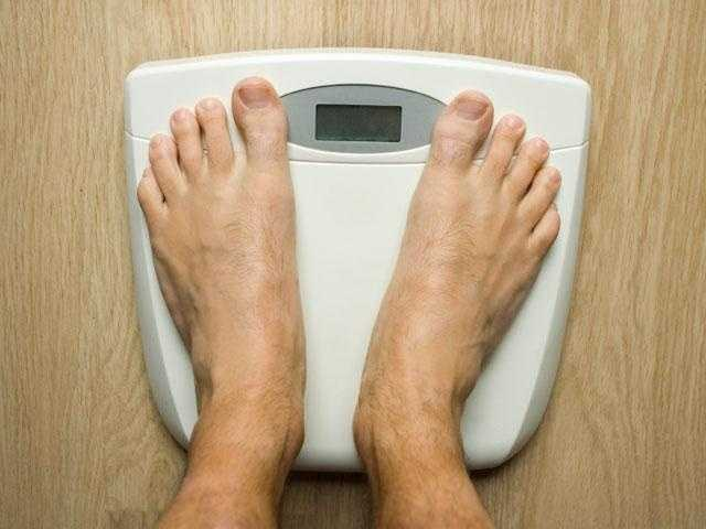 The researchers studied 21 overweight and obese adults, starting each on a diet that helped them lose at least 12.5 percent of their body weight. Then, to help them maintain that weight loss, the researchers put the participants on a cycle of three diets, and they were to stick to each for four weeks.