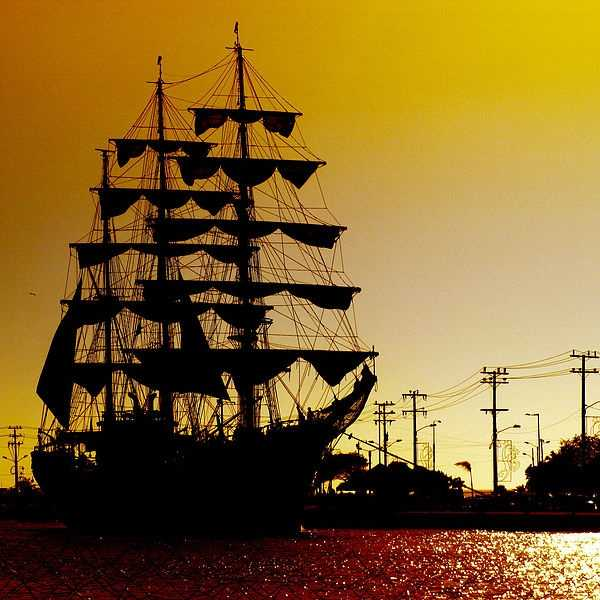 The Gloria of Colombia stands more than257 feet long and is the official flagship and sail-training ship of the Colombian Navy and is home-ported in Cartagena.