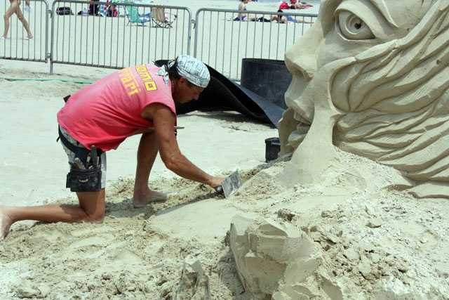 Topazio heads up Sandtasia Sand Sculptors in Tiverton.