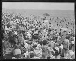 On hot summer nights, families would sleep right on the beach for relief from the day's heat.