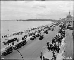 The sun and surf were only part of the draw. Revere Beach also featured a number of food stands, bowling alleys, roller skating rinks, and amusements.