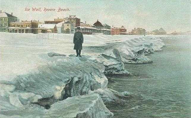 Ice along the shore in this postcard from around 1908