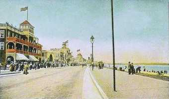 But the beach has a long and rich history.  This is Revere Beach Boulevard in a postcard from around 1910.