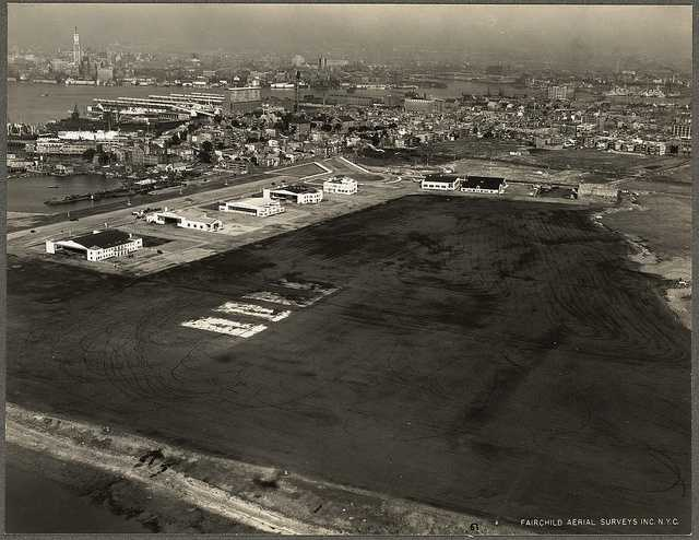Ownership of Boston Airport is transferred from the U.S. Army to the Massachusetts Legislature in 1928.