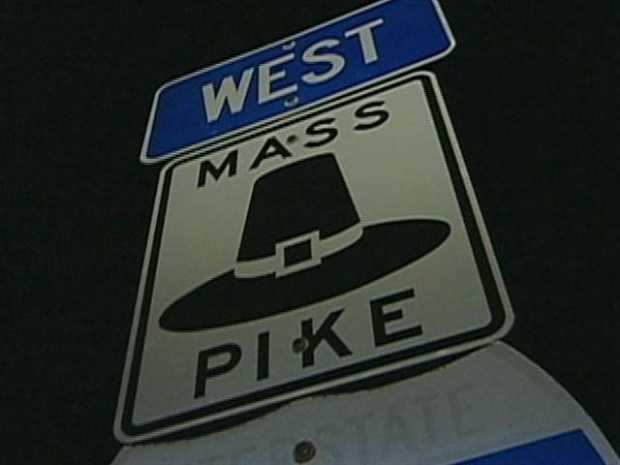 What is the minimum speed limit on the Massachusetts Turnpike?