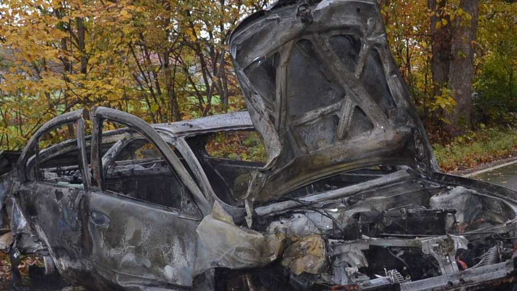 Teens escape wreck before it catches fire