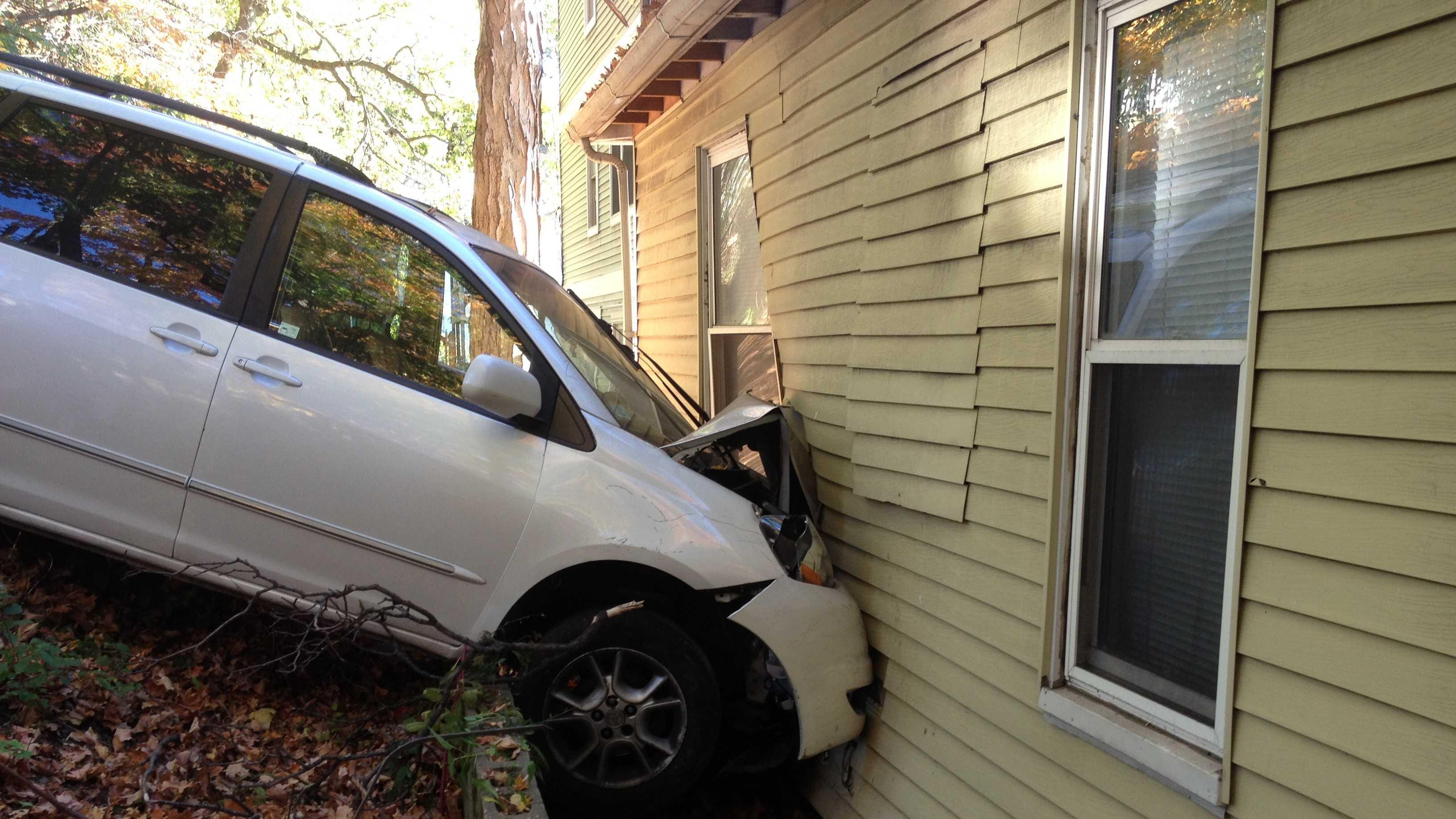 One injured when minivan hits Dorchester home