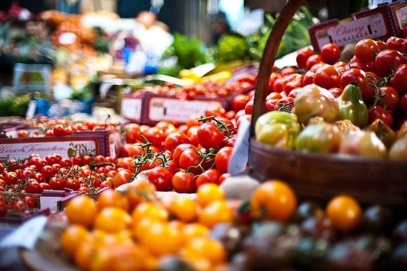 22 calories per medium tomato