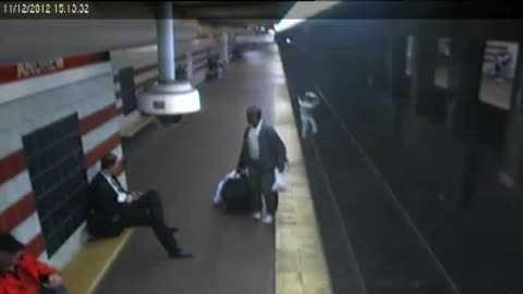 MBTA Person onto tracks  11-13-2012 2-09-08 PM.jpg