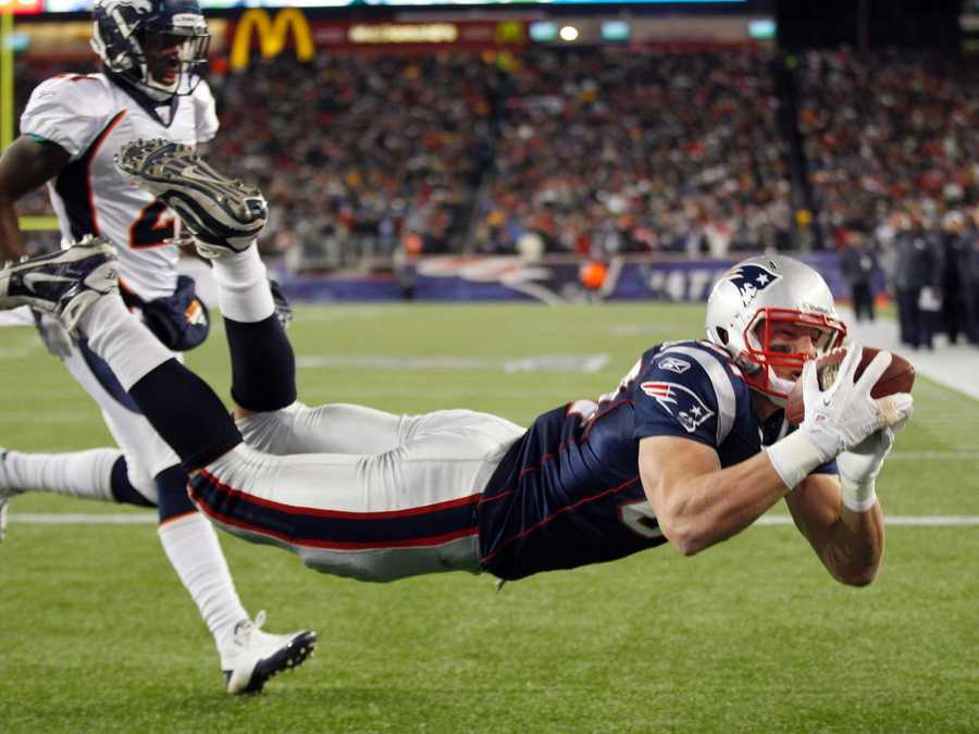 In 2012, Rob Gronkowski became the first tight end in NFL history with three consecutive seasons with at least 10 touchdowns