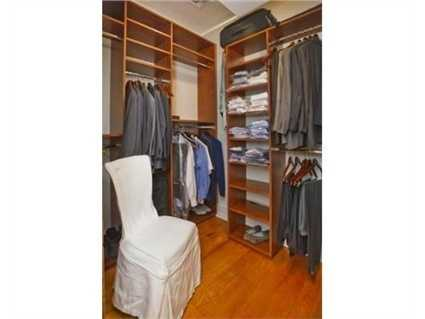 There's plenty of closet space.