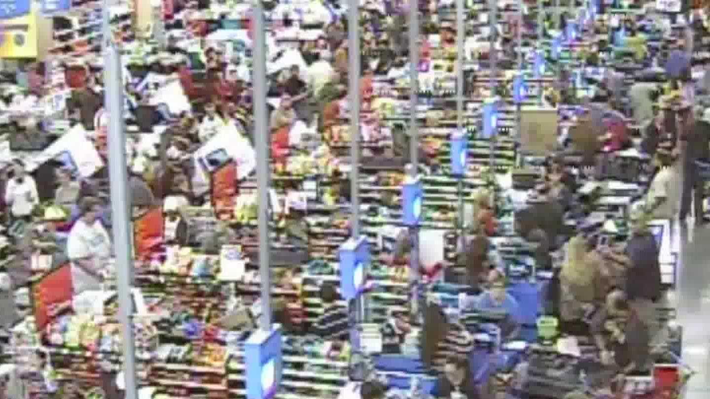 Walmart BF timelapse shoppers