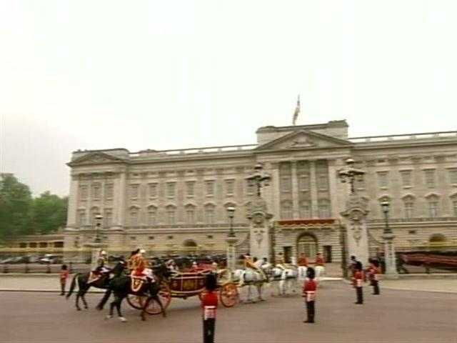 Buckingham Palace is the official administrative headquarters for the Queen of England.
