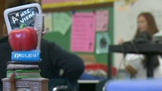 Districts test extended school days