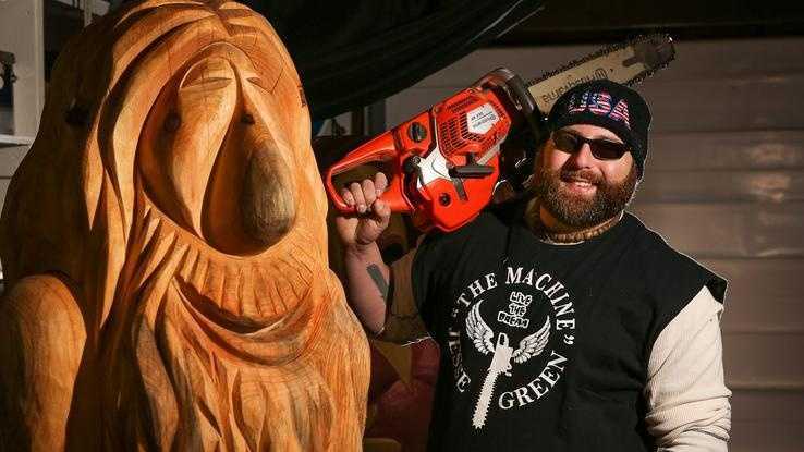 "Chainsaw artist Jesse Green, a Medway resident and Holliston native, will be featured in a new National Geographic Channel show called ""American Chainsaw"" which premiered on November 29th."
