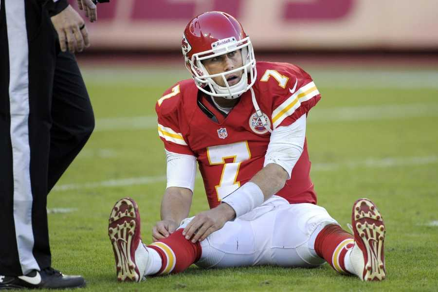 11) Kansas City Chiefs - The Patriots old quarterback Matt Cassell has had a tough time in Kansas City, but he looks shart in their uniform.The Chiefs have had essentially the same look throughout the franchise's entire existence, and while some have called for a more modern-look, why mess with what works?
