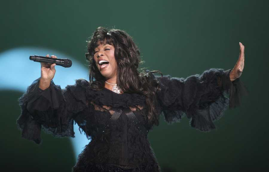 05) Donna - 1,304  (Pictured here is music star Donna Summer)