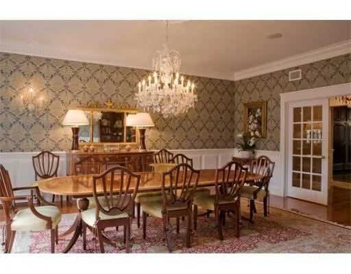 The dining room is 17 x 22