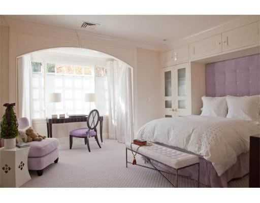 There are 5 en-suite bedrooms