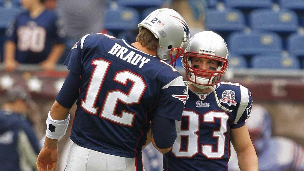 Wes Welker, Tom Brady - 22118908