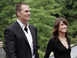 Brady dated actress Bridget Moynahan from 2004 until late 2006. The couple split, but Brady has one child with Moynahan, John Edward Thomas Moynahan.