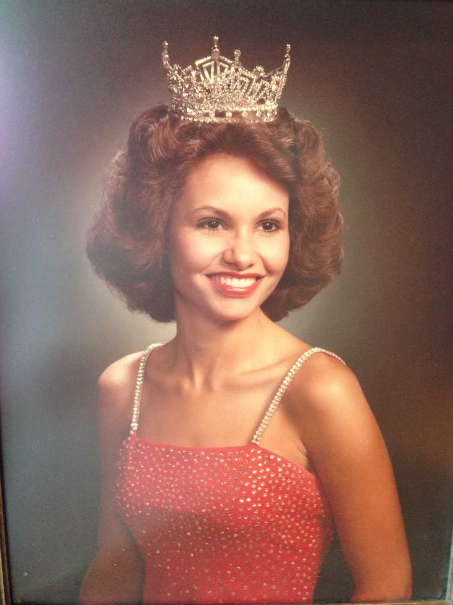 Liz competed for Miss America in 1979 as Miss Illinois.