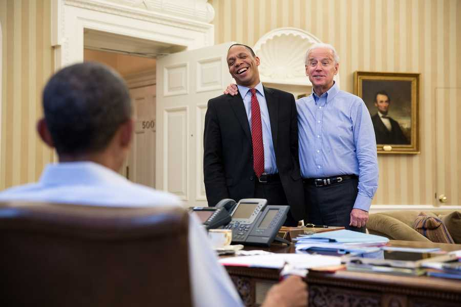President Barack Obama talks with Vice President Joe Biden and Rob Nabors, Assistant to the President and Director of Legislative Affairs, in the Oval Office, Sunday, Dec. 30, 2012.