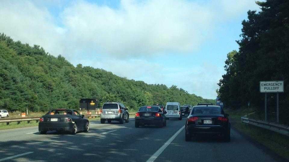 Interstate 95 driving in breakdown lane