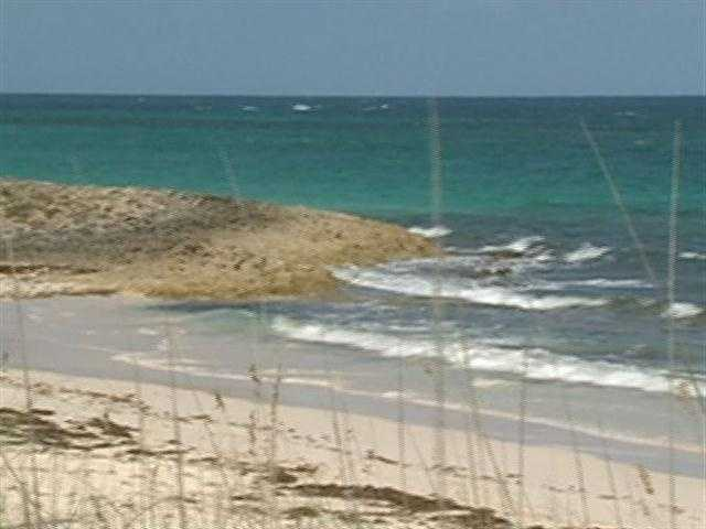 A shipwreck in 1648 led to the first permanent settlement in the Bahamas.