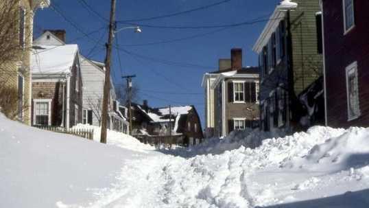blizzard1978-unplowed-street---15088961.jpg
