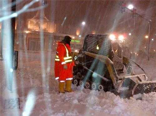 MBTA crews fighting to clear snow in Coolidge Corner