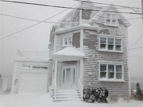 Scituate homes plastered with snow