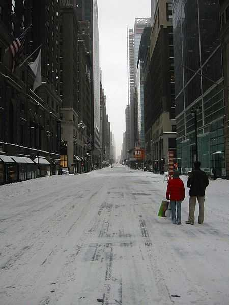Madison Avenue, New York City, near Grand Central Station, looking South during the February 2003 blizzard.