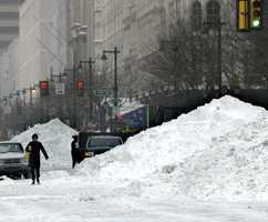 During the blizzard. heavy snow was continuously reported, falling at rates of up to 4 inches per hour.