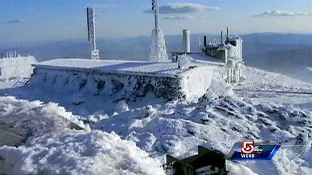 Mt. Washington experiences 100 mph winds