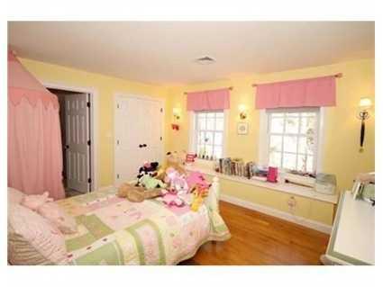 Sunlight fills the bedrooms.