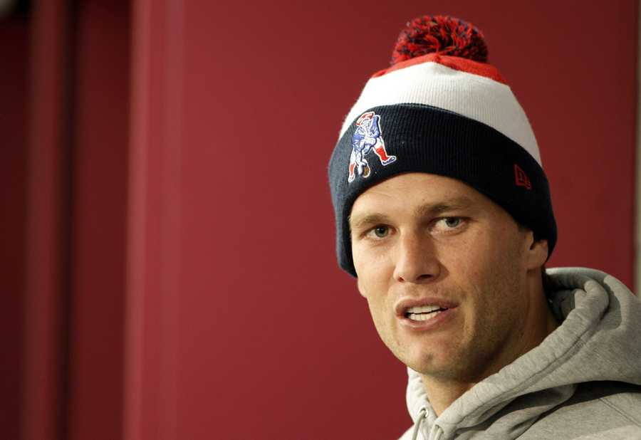Tom Brady agreed to a three-year contract extension that will keep him playing for New England through the 2017 season.