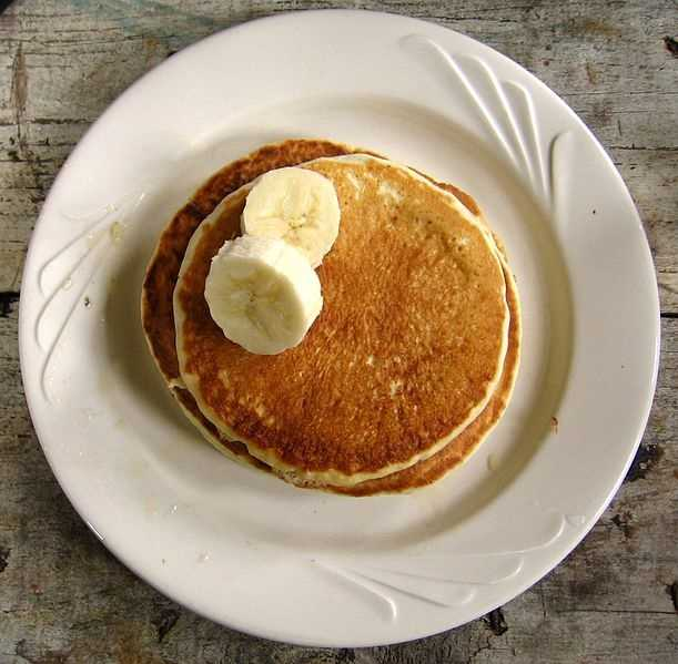 "Day 7 BREAKFAST Buckwheat pancakes with berries: 2 large (7"") pancakes 1 Tbsp pancake syrup ¼ cup sliced strawberries"