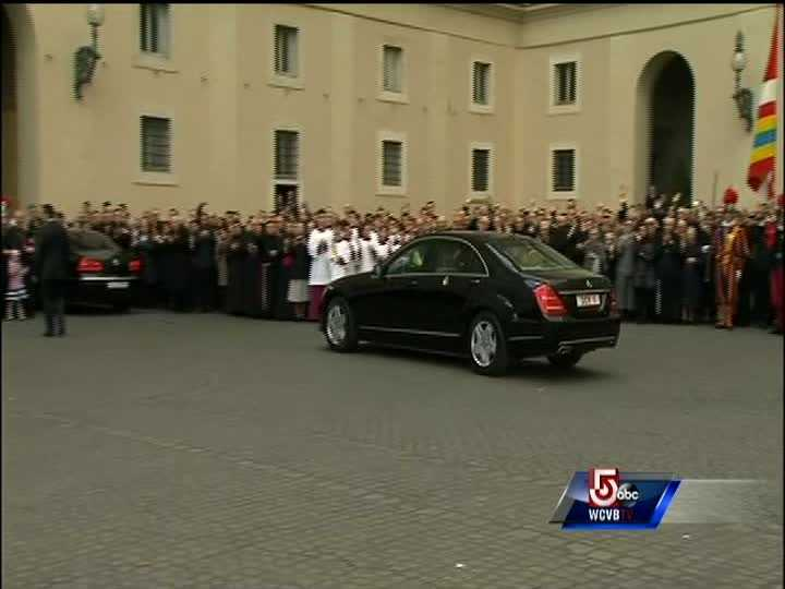 Crowds cheer as Benedict XVI leaves for the Vatican helicopter.