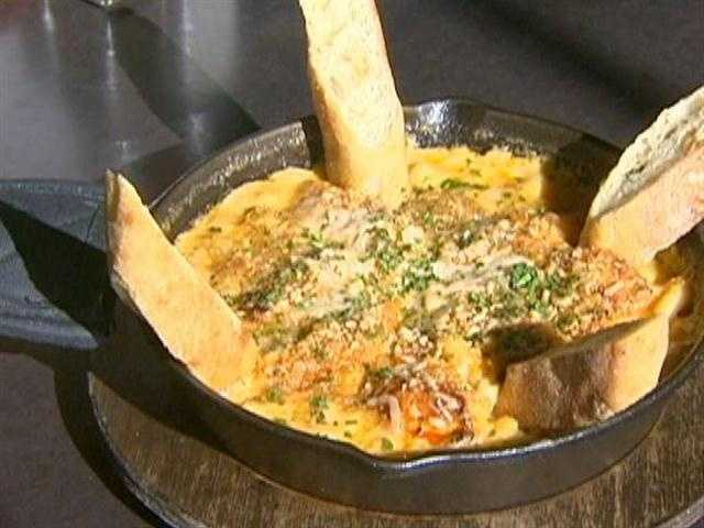 A Playwright's favorite: the buffalo mac and cheese.