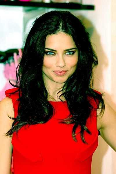 The Victoria's Secret Angel model was a virgin until she wed Serbian basketball player Jaric in 2009 at the age of 27.