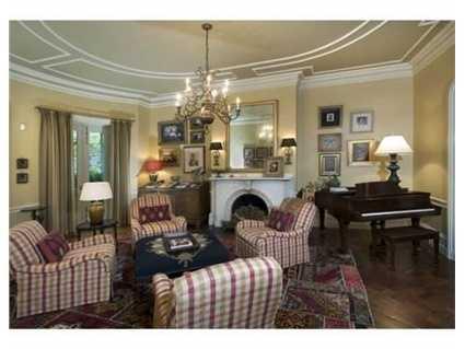 20 Chestnut Street #1 is on the market in Boston for $4.3 million.