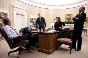 President Barack Obama talks with senior advisors in the Oval Office, Feb. 11, 2013. Pictured, from left, are: Chief of Staff Denis McDonough&#x3B; Alyssa Mastromonaco, Deputy Chief of Staff for Operations&#x3B; and Rob Nabors, Deputy White House Chief of Staff for Policy.