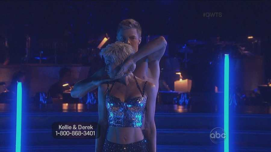 Country music singer Kellie Pickler performed a Jazz routine with her professional dance partner Derek Hough.