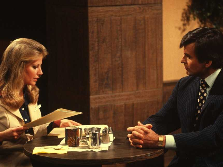 1977: Alan Quartermaine comes to Port Charles and promptly clashes with Monica Webber at work. But soon their relationship turns into romance.