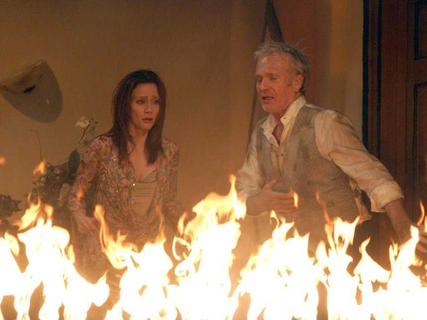 Edward Quartermaine's miserly ways come back to haunt him and his loved ones as a faulty wiring system causes a raging inferno in the Quartermaine-owned Port Charles Hotel.