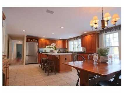 A spacious kitchen.